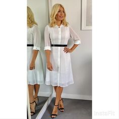 Ladies white cotton dress shirt - Popular dresses models in the USA 2018 Curvy Women Outfits, Clothes For Women, Popular Dresses, Nice Dresses, Look Fashion, Fashion Beauty, Female Fashion, Holly Willoughby Legs, Dress Skirt