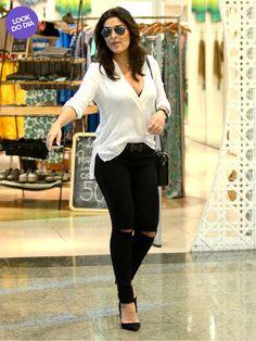 Juliana Paes usa calça rasgada e saltão em shopping no Rio