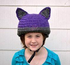 Smart Gift Giving: Crochet a Cat-Inspired Reflective Bike Helmet Cover – FREE Pattern! #crochet