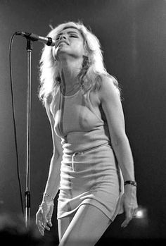 """Debbie Harry of the punk-pop band Blondie is one of the most stylish, cool iconic women to grace the earth. Before Deborah Ann """"Debbie"""". Blondie Debbie Harry, Pop Bands, Women Of Rock, Estilo Rock, Pop Rock, Punk, Looks Black, Iconic Women, Female Singers"""