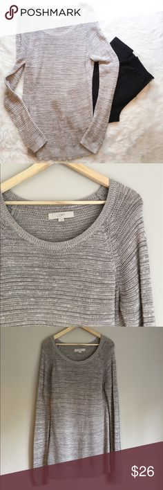 🆕Ann Taylor LOFT Gray Sweater Ann Taylor LOFT extra long gray sweater. Size large. Approximate measurements are 30' long, 31' sleeve, & 36' bust. Can fit a size small for oversized look perfectly. Great for cool spring nights. GUC. ❌No trades ❌ Modeling ❌No PayPal or off Posh transactions ❤️ I 💕Bundles ❤️Reasonable Offers PLEASE ❤️ Bundle & SAVE❗️❗️ LOFT Sweaters Crew & Scoop Necks