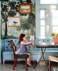 Grace in the breakfast room. Miles Redd for Ballard Designs table. Architectural Digest, Office Interior Design, Office Interiors, Kitchen Interior, Family Room Design, Dining Room Design, Dining Rooms, Kitchen Wallpaper, Dining Room Wallpaper