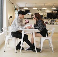 Official Korean Fashion : Korean Couple Look Matching Couple Outfits, Matching Couples, Cute Couples, Couple Ulzzang, Fotos Goals, Asian Love, Korean Couple, Fashion Poses, Fashion Advice
