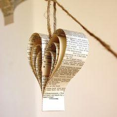 Shakespearean paper garland of hearts - Folksy Diy Xmas Ornaments, Paper Ornaments, Book Crafts, Xmas Decorations, Holiday Crafts, Paper Crafts, Paper Toys, Wedding Decoration, Ideas Decoracion Navidad