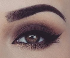 smoky eye with gold on the bottom