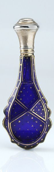 1870 FRENCH COBALT CRYSTAL SCENT PERFUME BOTTLE WITH GILT STAR DECORATION