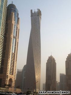 Infinity Tower, Dubai - This 80-story Infinity Tower (330 meters high) is like an urban twister frozen in time!