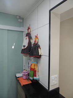 Detalhe Cozinha -  Projeto: Sergio R. Pereira Designer de Interiores Fone: (11) 95475-7897 projeto@sergiorpereira.com.br