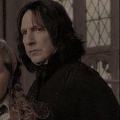 Professor Severus Snape, Alan Rickman Severus Snape, Severus Rogue, Snape Harry Potter, Harry Potter Icons, Harry Potter Characters, Slytherin, Hogwarts, Harry Potter Colors