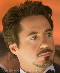 Photo of Robert Downey Jr. goatee in Iron Man movie. Barba Tony Stark, Iron Man Tony Stark, Goatee Beard, Beard Cuts, Goatee Styles, Beard Styles For Men, Beard No Mustache, Moustache, Iron Man Movie