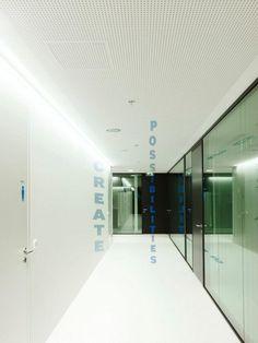 946611 511753272212398 333555962 n 700x934 Inside Samsungs Vienna Offices