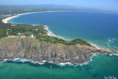 The small town of Byron Bay - very famous beach in Australia - the most easterly point in Australia - photo by Lisa Tulk-Snow