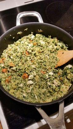 Aftensmad : ris , kylling, spinat, gulerødder