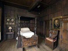 tudor dollhouse | tudor bedroom