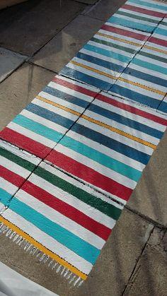 Betonilaattoihin maalattu matto Painted Rug, Compass Rose, Floor Rugs, Curb Appeal, Handicraft, Home Projects, Stencil, Florida, Crafts