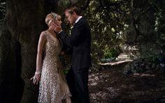 #CareyMulligan (Daisy Buchanan) and #LeonardoDiCaprio (Gatsby) share a moment in #TheGreatGatsby.  (5/10)
