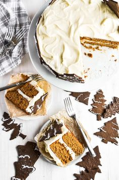 This holiday gingerbread cake is loaded with cream cheese frosting and surrounded by a forest of gingerbread cookie trees. It's an edible winter wonderland! Holiday Cakes, Christmas Desserts, Christmas Cakes, Round Cake Pans, Round Cakes, Cake Recipes, Dessert Recipes, Dessert Ideas, Cookie House