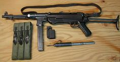 Wehrmacht - Parabellum Machine Pistol - Used by Paratroopers, Platoon and Squad Leaders - were Made Cz 805 Bren, Gundam Wallpapers, Submachine Gun, Survival Weapons, Paratrooper, Assault Rifle, Military Weapons, Guns And Ammo, Revolver