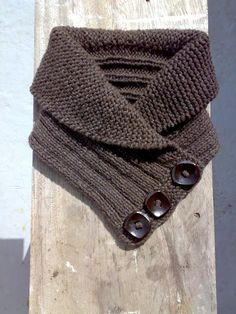 shawl collared cowl - could be made from knit fabric instead Easy Knitting, Loom Knitting, Knitting Patterns, Crochet Cap, Crochet Buttons, Seed Stitch, Knit Wrap, Knit Cowl, Baby Knitting