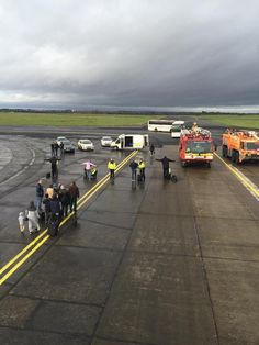 Photos: scene at @ShannonAirport after @TurkishAirlines flight #TK34 #bombthreat  (pics E. Muslu)  - @theplanenews