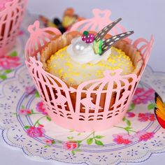 Amazon.com: H&D Laser Cut Birdcage Shape Pearlescent Paper Cupcake Collar Wrappers Party Decorations (60pcs/ 5bags, Pink): Kitchen & Dining
