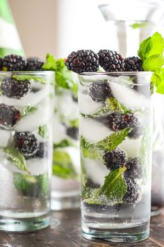 Sparkling Blackberry Mint Aguas Frescas #Healthy