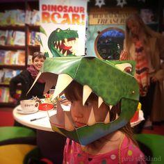 Free Dinosaur Roar Masks for Kids Dinosaur Puppet, Dinosaur Halloween Costume, Dino Costume, Dinosaur Mask, Dragon Puppet, Dinosaur Gifts, Halloween Crafts, Halloween Costumes, Halloween 2017