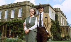 To the Manor Born … Penelope Keith and Peter Bowles on location in British Tv Comedies, British Comedy, British Actors, Penelope Keith, 80 Tv Shows, Great Comedies, Masterpiece Theater, Bbc Tv, Comedy Tv