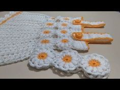 Ideas Crochet For Beginners Headband Infinity Scarfs Crochet For Beginners Headband, Crochet Kids Scarf, Crochet Doily Rug, Crochet Hat For Women, Crochet Hats, Crochet Stocking, Crochet Afgans, Flower Crochet, Crochet Poncho