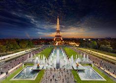 Eiffel Tower, Paris via @BoredPanda