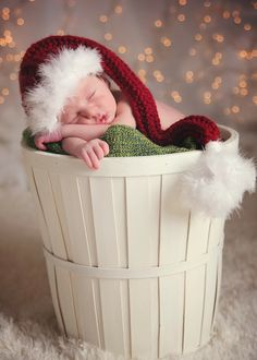 Christmas birth announcement - Newborn photography