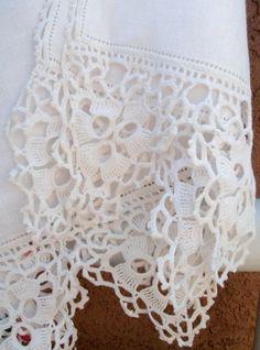 Hemstitching and Irish Crochet Lace ~~ shabby+025.JPG 1.186×1.600 píxeles