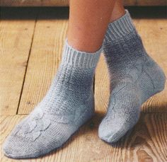 Ravelry: Socks with Diagonal Basket Weave Pattern pattern by Stephanie van der Linden Knitting Stitches, Knitting Socks, Knitting Patterns, Knit Socks, Knitted Socks Free Pattern, Patterned Socks, Stockinette, One Color, Colour