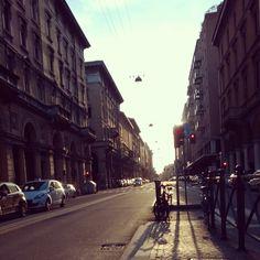 Waiting for the bus at Via Irnerio #Bologna