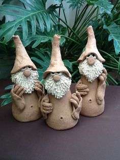 Best 12 Billedresultat for tomtar keramik – Page 672866000554872356 – SkillOfKing. Polymer Clay Fairy, Polymer Clay Projects, Ceramica Artistica Ideas, Clay Fairies, Hand Built Pottery, Christmas Crafts, Christmas Ornaments, Clay Ornaments, Clay Figures