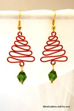 Wire Wrapped Red Christmas Tree Dangling Earrings Green Crystal Bead | WireCrafters -
