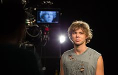 5 Seconds Of Summer behind the scenes at their 2014 MTV VMA promo shoot.