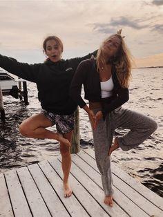 Cute Friend Pictures, Best Friend Pictures, Cute Photos, Friend Pics, Lake Pictures, Summer Goals, Photo Couple, Cute Friends, Summer Aesthetic
