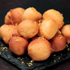"""This is """"Frittelle al cucchiaio 3 gusti"""" by Al.ta Cucina on Vimeo, the home for high quality videos and the people who love them. Fall Recipes, Sweet Recipes, Holiday Recipes, Drop Doughnut Recipe, Cakes That Look Like Food, Easy Cooking, Cooking Recipes, Delicious Desserts, Dessert Recipes"""