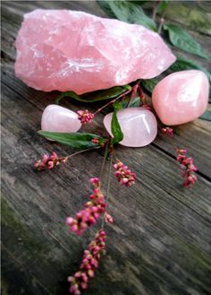 Rose quartz assists in balancing the Heart Chakra. It vibrates unconditional love and healing into the environment.  Wear it close to the heart when you feel unworthy, stifled, guilty, rejected, envious or abandoned.