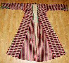 Late-Ottoman silk 'üçetek' (woman's robe-with-three-panels) from the Konya region. 'Rum' (Anatolian Greek), early 20th century. Source: 'Antika Osmanlı Tekstil', Istanbul.