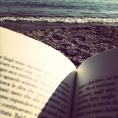 IAWP...one day I'd have the freedom to sit, read, listen to the ocean and be still (:
