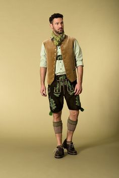Authentic lederhosen for men. Long kniebund lederhosen and short leather trouse Oktoberfest Outfit, Tap Costumes, Dress Up Costumes, Module Mode, Mens Lederhosen, German Costume, German Outfit, Diy Kleidung, Monochrome Outfit