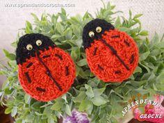 Mini Joaninhas de Crochê - Receita de Croche com o Passo a Passo no Link http://www.aprendendocroche.com/receitas-de-croche/video-aula.asp?resid=1428&tree=23
