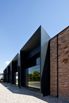 Gallery - La Casa Della Musica / Geza Gri e Zucchi Architetti Associati - 6 Architecture Renovation, Brick Architecture, Industrial Architecture, Residential Architecture, Contemporary Architecture, Contemporary Design, Facade Design, Exterior Design, Habitat Groupé