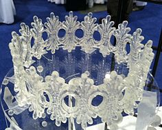 Isomalt Crown. What a fabulous cake topper this would make. There's no excuse for plastic stuff on a cake when sugar art is so beautiful.