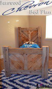 barnwood chevron bed plan | Her Tool Belt