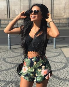 Do what makes you happy, be with who makes you smile, laugh as much as you breathe and love as long as you live ☀️ Dope Outfits, Trendy Outfits, Dress Outfits, Summer Outfits, Fashion Outfits, Ivana Santacruz Instagram, Claudia Tihan, Native American Fashion, Foto Pose