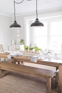 Spring Farmhouse Table Setting