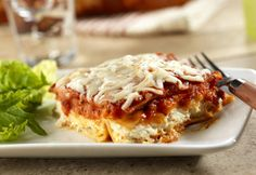 Traditional, full-flavored lasagna is layered together in just minutes with pasta sauce, noodles, and three cheeses.